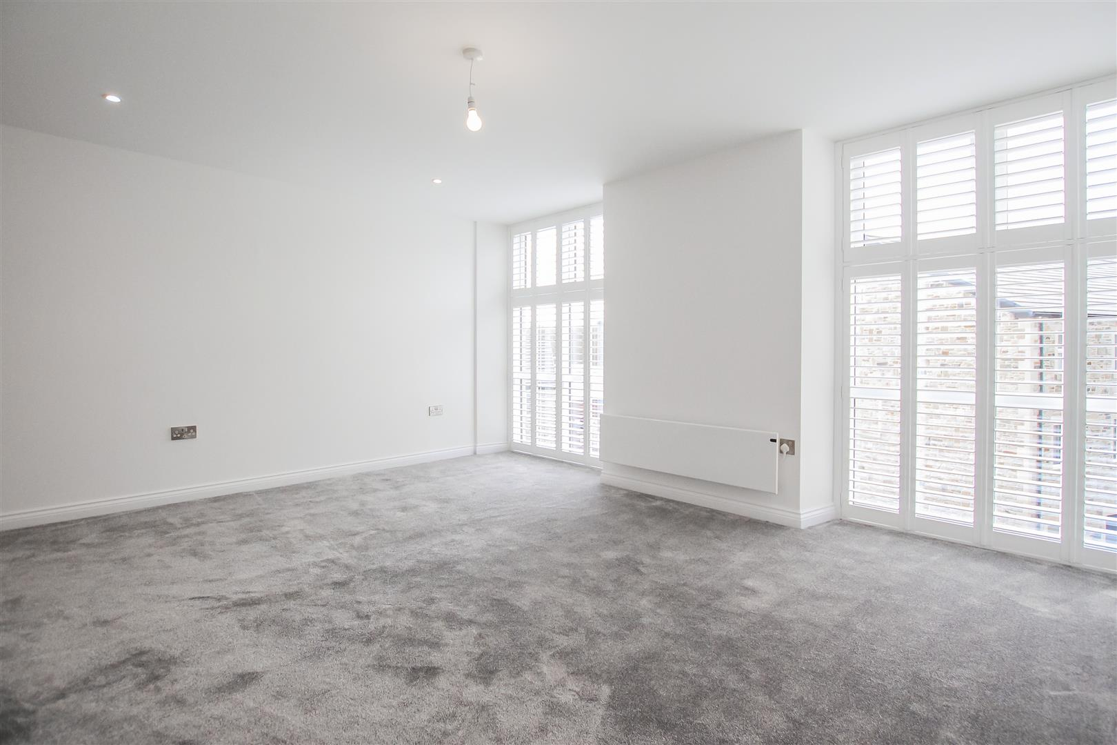 2 Bedroom Apartment For Sale - Image 24